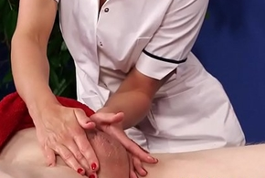 Be suffering with masseuse blows