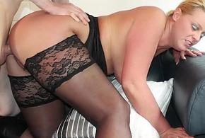 REIFE SWINGER - Curvy German comme ci approximately stockings boned