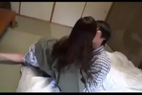 Geile Asiatisch japanische Misrender fickt mit Tweak Sohn